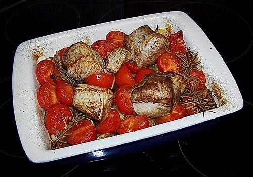 schweinefilet mit kartoffeln tomaten aus dem ofen rezept mit bild. Black Bedroom Furniture Sets. Home Design Ideas