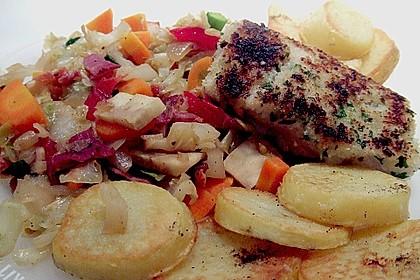 Seelachs auf Spitzkohl mit Schinkenwürfeln und buntem Gemüse 7