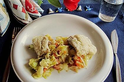 Seelachs auf Spitzkohl mit Schinkenwürfeln und buntem Gemüse 6