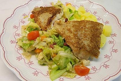 Seelachs auf Spitzkohl mit Schinkenwürfeln und buntem Gemüse 0