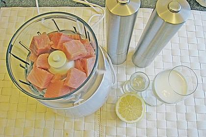 Schellfisch in Lachsfarce mit Wirsingmantel an Linsen und Pilzen in einer Sahnesauce 4