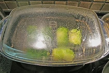 Schellfisch in Lachsfarce mit Wirsingmantel an Linsen und Pilzen in einer Sahnesauce 12