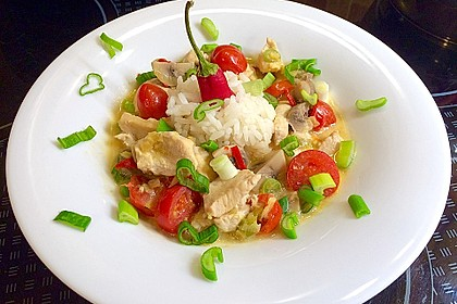Scharfe Hühnersuppe in Kokosmilch 1