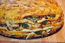 Pfannkuchen - Torte mit Spinat und Käse