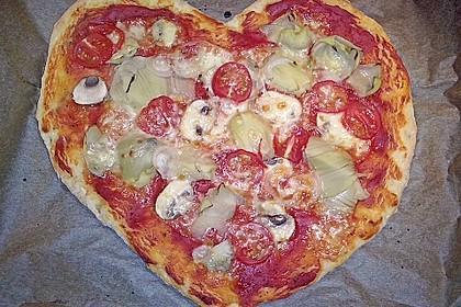 Knusprig dünne Pizza mit Chorizo und Mozzarella 14
