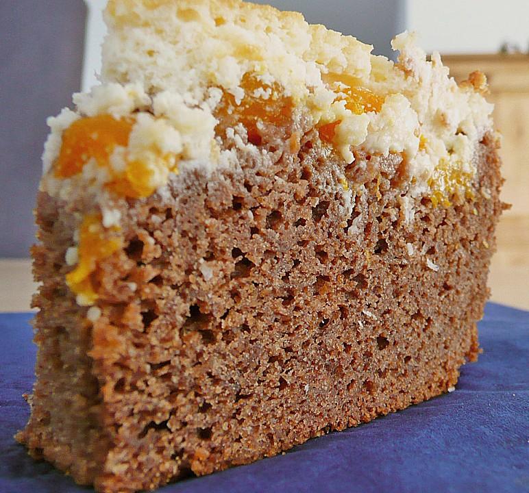 Kuchen mit schokolade und mandarinen