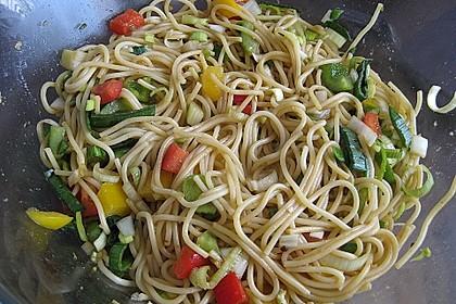 Asiatischer Spaghettisalat 10