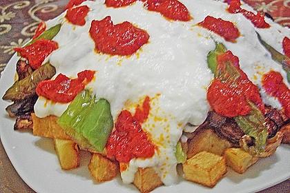 Mediterranes gebackenes Gemüse mit Joghurt - Tomatensauce 21