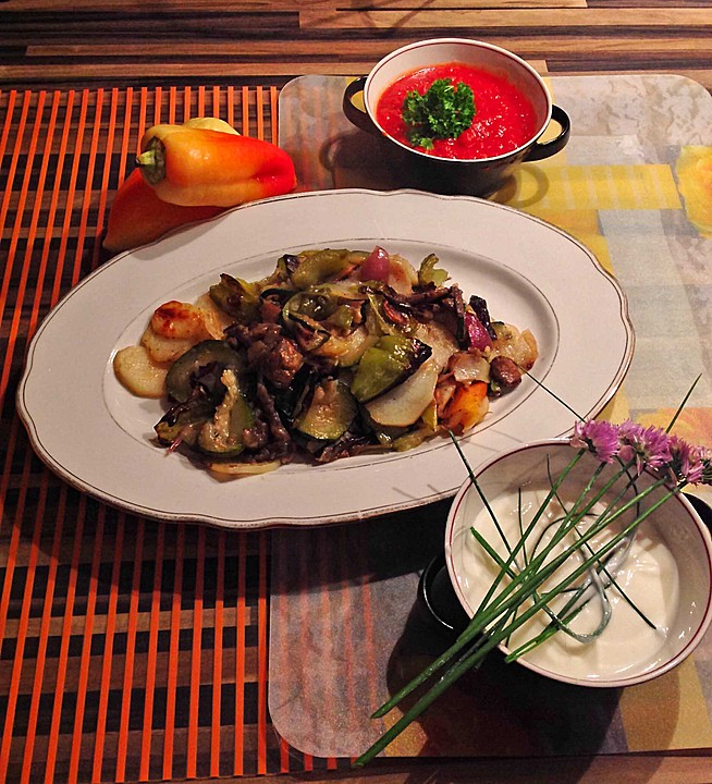 mediterranes gebackenes gem se mit joghurt tomatensauce rezept mit bild. Black Bedroom Furniture Sets. Home Design Ideas