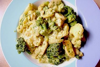 Blumenkohl in Hähnchen - Curry Soße 12