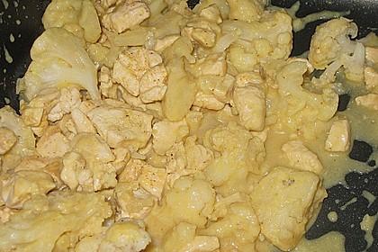 Blumenkohl in Hähnchen - Curry Soße 9