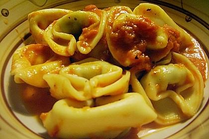 Tortellini in Tomaten - Sugo