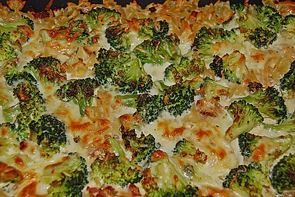 Brokkoli-Nudelauflauf 24