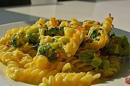 Brokkoli-Nudelauflauf