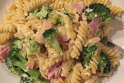 Brokkoli-Nudelauflauf 10