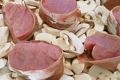 Schweinefilet überbacken, in rosa Sauce 2