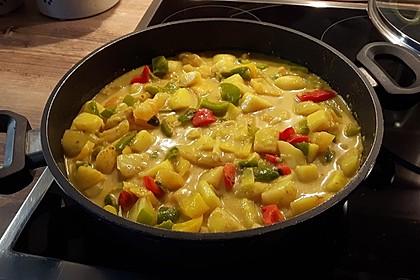 Fruchtiges Kartoffelcurry