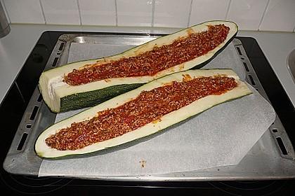 Gefüllte Zucchini 72