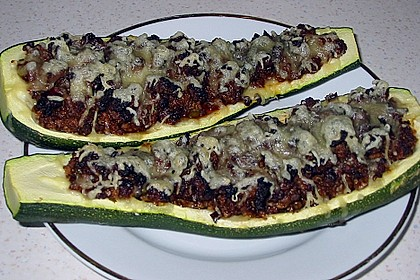 Gefüllte Zucchini 79