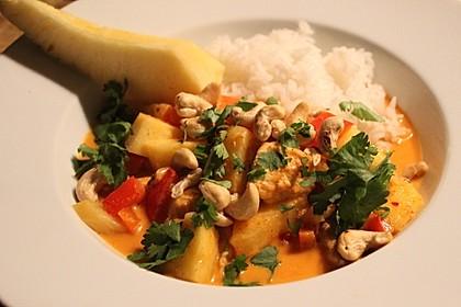 Rotes Curry mit Ananas (Bild)