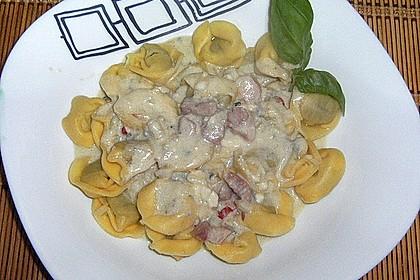 Tortellini in Gorgonzolasauce 0