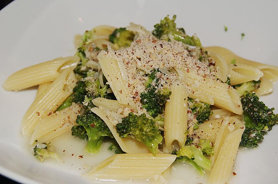 brokkoli pasta rezept mit bild von siri66. Black Bedroom Furniture Sets. Home Design Ideas