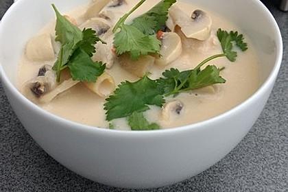 Tom Kha Gai - die berühmte Hühnersuppe mit Kokosmilch und Galgant 16