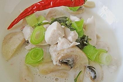 Tom Kha Gai - die berühmte Hühnersuppe mit Kokosmilch und Galgant 24