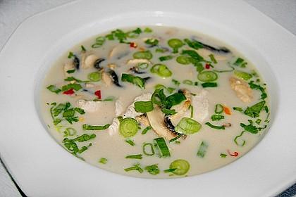 Tom Kha Gai - die berühmte Hühnersuppe mit Kokosmilch und Galgant 11