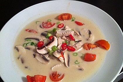 Tom Kha Gai - die berühmte Hühnersuppe mit Kokosmilch und Galgant 35