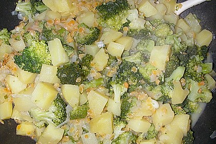 Kartoffel-Brokkoli-Curry mit Kokosmilch 48