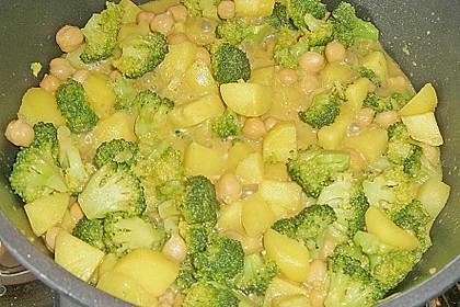 Kartoffel-Brokkoli-Curry mit Kokosmilch 40