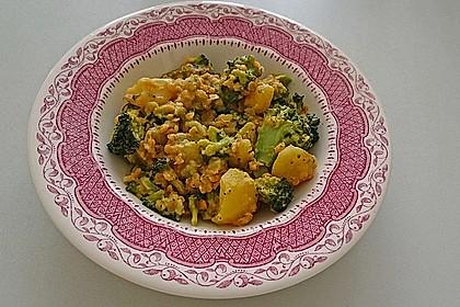 Kartoffel-Brokkoli-Curry mit Kokosmilch 6