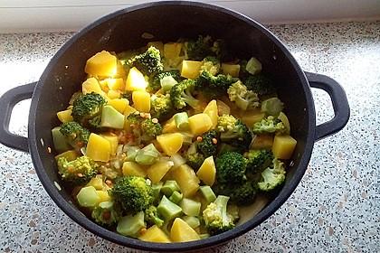 Kartoffel-Brokkoli-Curry mit Kokosmilch 9