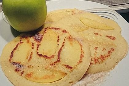 Himmlisch zarte Apfelpfannkuchen 15