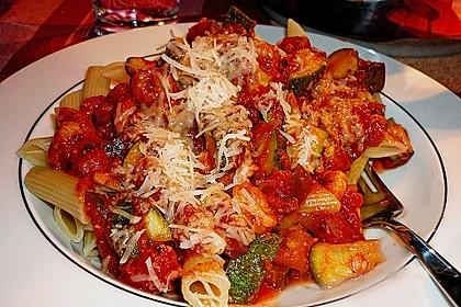 Pasta mit Auberginen-Zucchini-Sugo 1