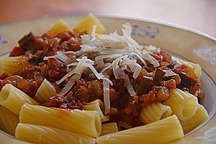 Pasta mit Auberginen-Zucchini-Sugo 3