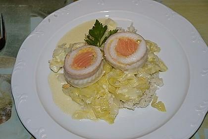 Roulade von Seezunge und Lachs auf gebratenem Chinakohl in Limonensauce 2