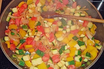 Basilikum - Gemüsesauce mit Hähnchen 5