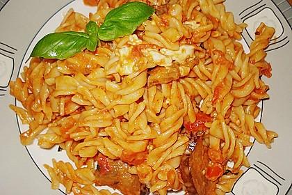 Fusilli mit Auberginen und Mozzarella 9