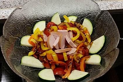 Zucchini - Tomaten - Paprika - Salat 9