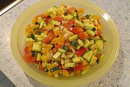 Zucchini - Tomaten - Paprika - Salat 6