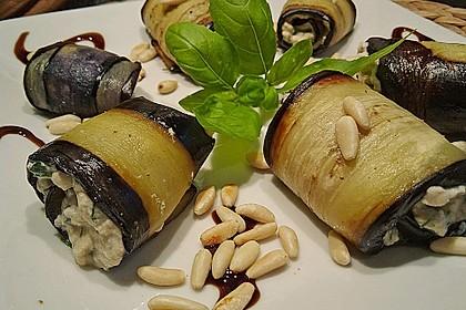 Auberginenröllchen mit Frischkäse