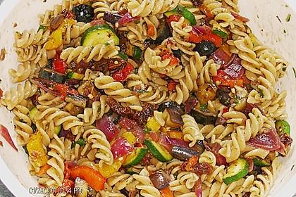 Nudelsalat mediterran 7