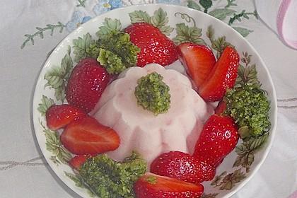 Erdbeerparfait mit süßem Basilikumpesto 1