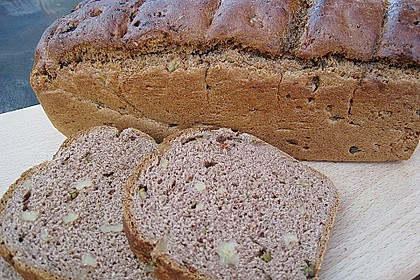 Käferblaus Oliven - Walnuss - Brot