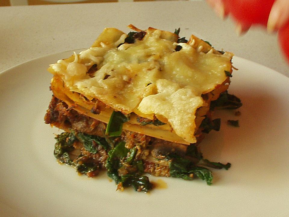 lasagne mit frischen pilzen und spinat von froeschlein2005. Black Bedroom Furniture Sets. Home Design Ideas