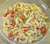 Nudelsalat mit Brunch Paprika-Peperoni (Bild)