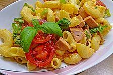 Nudelsalat mit Brunch Paprika-Peperoni
