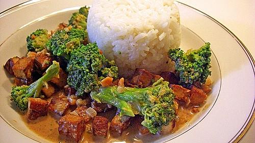 brokkoli mit tofu in s er erdnuss sojasauce rezept mit bild. Black Bedroom Furniture Sets. Home Design Ideas
